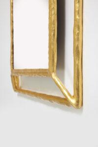 Miroir design Mattias Bonetti en fer battu recouvert de feuille d'or en édition limitée